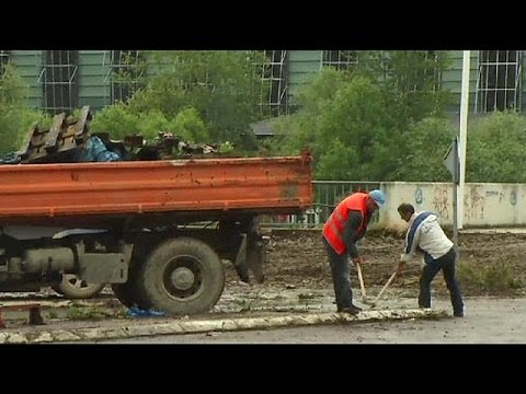 Kosovo Serbs remove barrier in divided Mitrovica