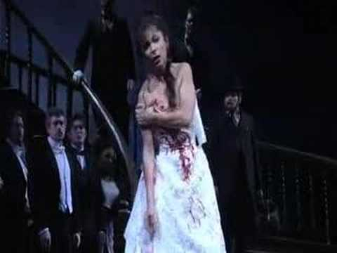 Metropolitan Opera's Lucia di Lammermoor at Times Square