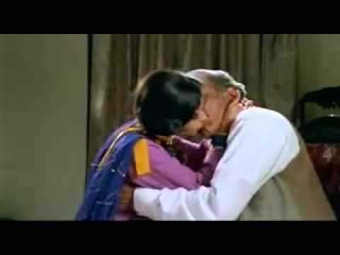 Divya Dutta hot Kiss in Train HOT VIDEO