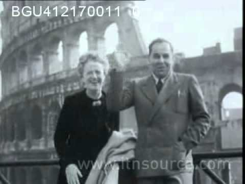 Gracie Fields and her fiancee tour Rome 1952