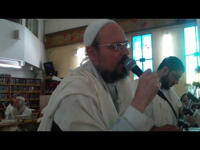 הרב קוק בשירת הלל פסח 2012