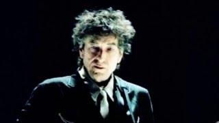 Watch Bob Dylan Shooting Star video