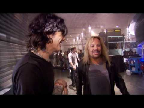 Bones Season Finale: Neil & Lee from Motley Crue Interview
