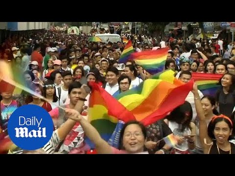 Thousands of Filipinos march in Manila's gay pride parade - Daily Mail