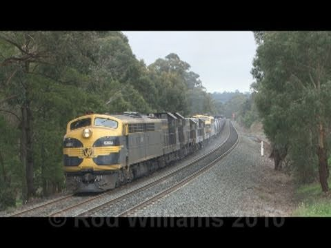 Old EMD's, epic struggle and stall : Australian trains