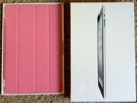 iPad 2 Unboxing + Smart Cover Unboxing