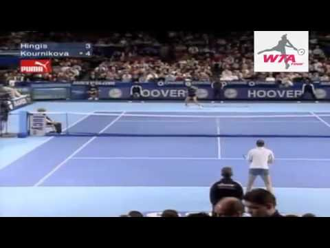 マルチナ ヒンギス v. アンナ クルニコワ 2000 WTAツアー選手権 | SF