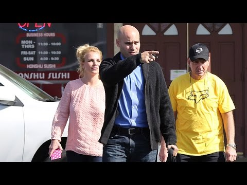 X17 EXCLUSIVE: Britney Spears Hangs With Her Dad After Scandalous Ad