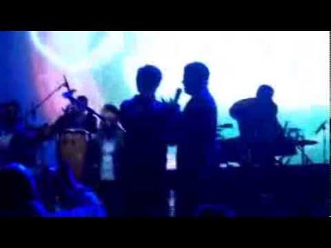 La Arrolladora (Jorge Medina canta con su hijo)