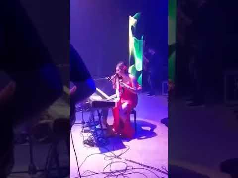 Roberta Bella feat Daniele De Martino - si pure me faje male - video live 2018