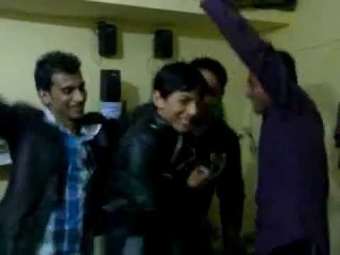 Tu Akhan nal Galan Kardi Dance Floor