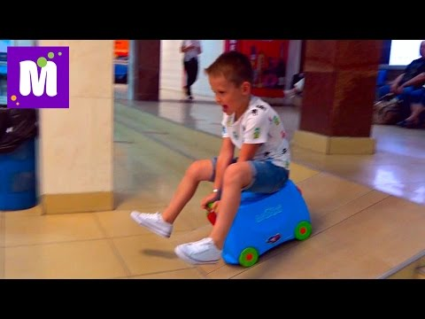 ВЛОГ Летим в Гонконг подарки игрушки в самолётах самый высокий отель Мира живём на 108 этаже