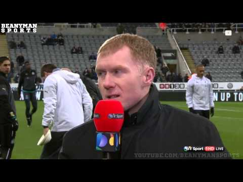 Paul Scholes Hit By Ball During Newcastle Warm-Up - Takes It Brilliantly Saying 'Good shot!'