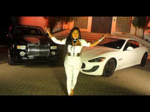 Lil' Kim diss Lil' Wayne, Drake, Tyga and Nicki Minaj