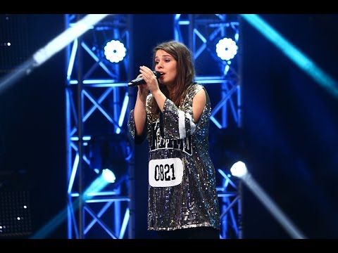 Alan Walker - Faded. Vezi aici cum cântă Alexandra Sirghi la X Factor!
