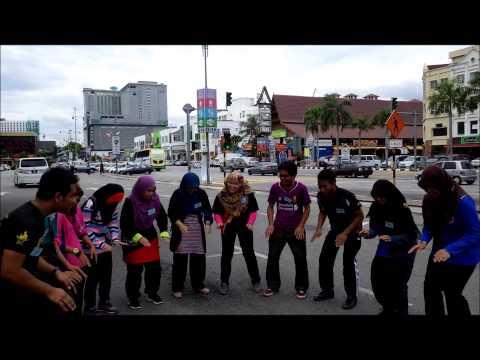 Claps d'étudiants malaisiens.