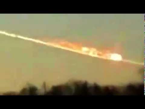 OVNI DESTRUYE METEORITO DE RUSIA evita catastrofe mundial. Febrero 2013