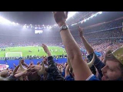 Викинги не сдаются: исландские футболисты вернулись героями, несмотря на поражение