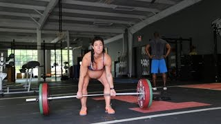 Pregnant And Pumping Iron: Fitness Instructor Deadlifts 205lbs