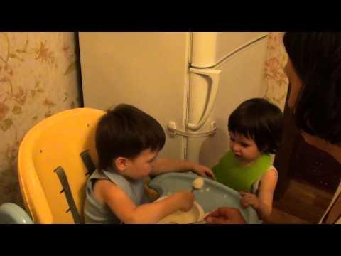 смотреть порно видео брат трахнул младшую сестру