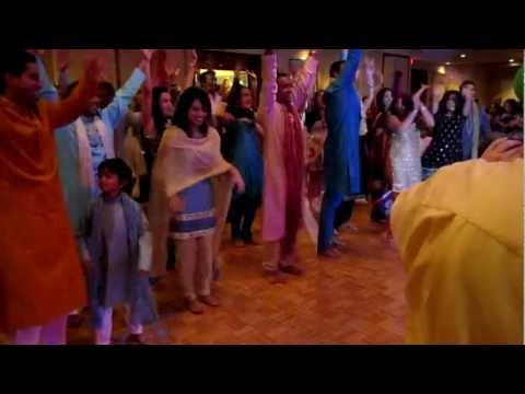 Manish and Priti - Sangeet Flash Mob (Avin Avin Lut Gaya)