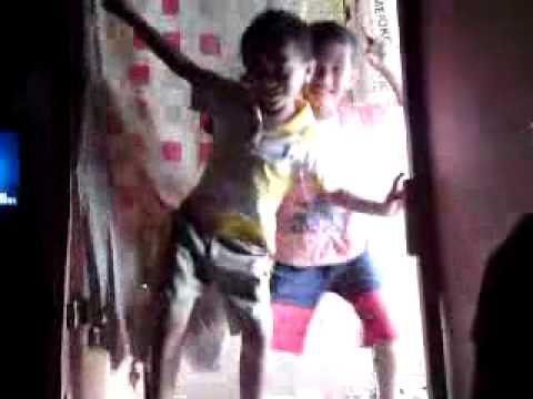 Goyang Panas Anak Keci Gugukl(gurun).mp4 video