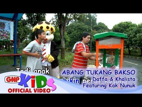 Abang Tukang Bakso - Daffa & Khalista Feat Kak Nunuk video