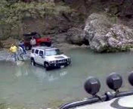DROWNED HUMMER VS JEEP