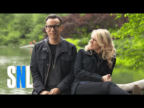 Kate Asks Fred Armisen If It Feels Good To Be Home - SNL