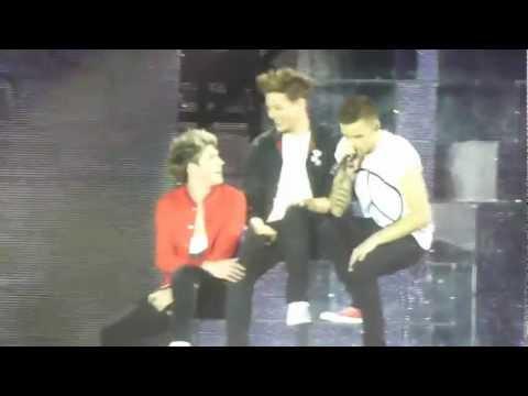 One Direction sing about Louis knee (More than this)