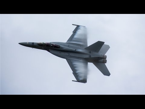 2015 Dayton Airshow Highlights - F/A-18, Thunderbirds, and more!