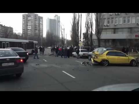 Ужасная авария на Левобережной Киев