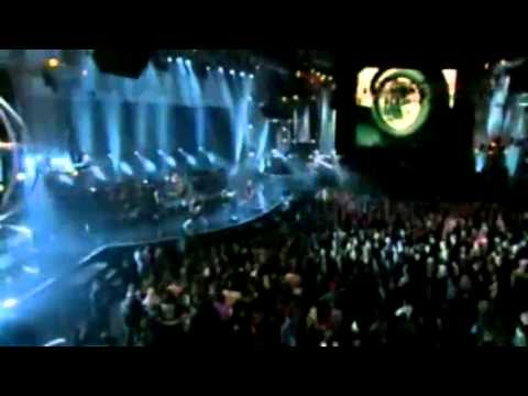 Avril Lavigne - Fuel (live Mtv Icon Metallica).mp4 video