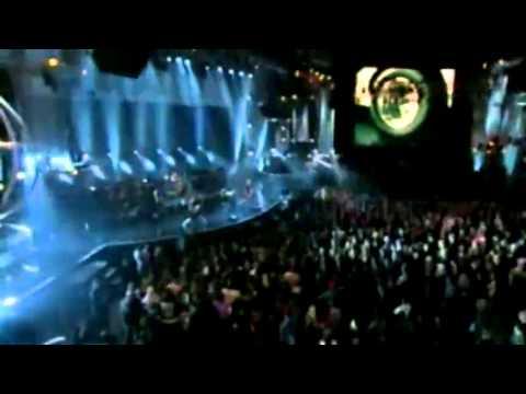 Avril Lavigne - Fuel (live Mtv Icon Metallica).mp4 video