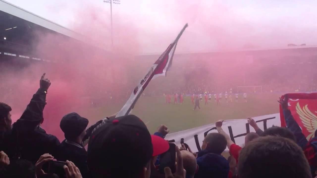 Flare Bomb Fans Flares Smoke Bombs