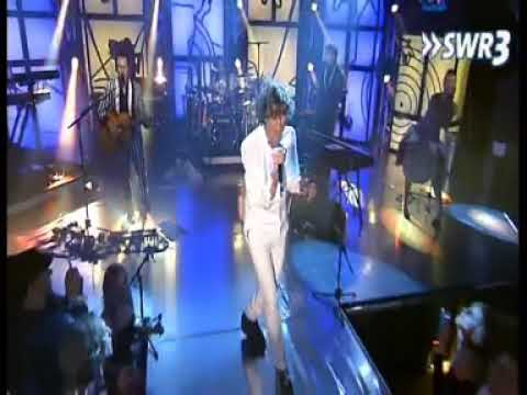 Mika - Touches You (live)