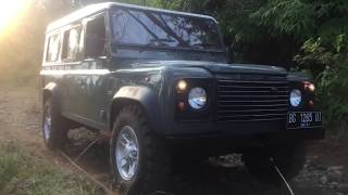 Saturday Afternoon Offroad - Land Rover Defender 300 Tdi