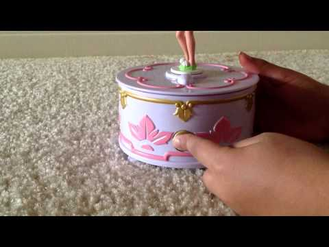 How to open a music box toy without the key