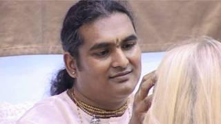Darshan of Sri Swami Vishwananda in Russia