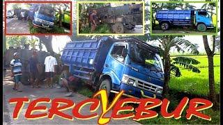 Kecelakaan truck dump muat aspal