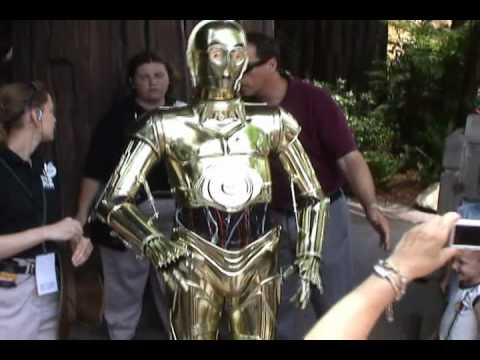 C-3PO Talks, Interacts and Walks at Star Wars Weekends 2010, Disney's Hollywood Studios