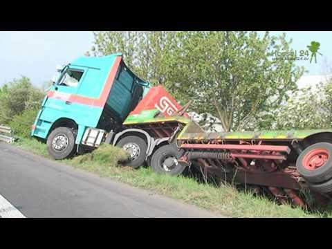 Schwerer  Verkehrsunfall auf der A7 mit Schwerlast LKW
