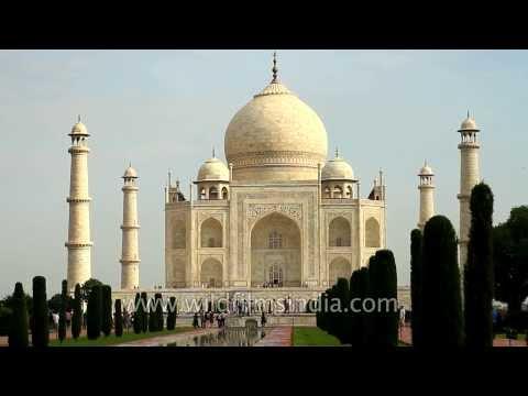 Urs at the Taj Mahal