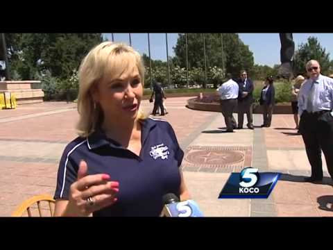 Gov. Mary Fallin accepts Jessica Schambach's #IceBucketChallenge