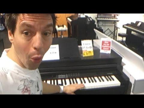 Heimlich allein im Music Store!!! (eingesperrt)