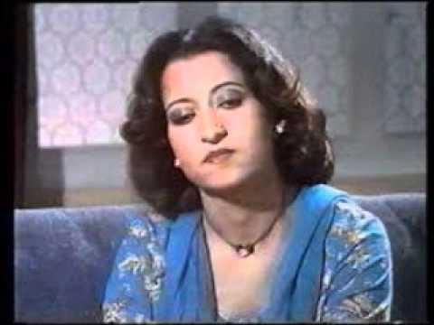 Chahat Main Kyaa Duniyadari   Munni Begum video