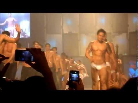 Cosmo Bachelor Bash 2012 (Finale)