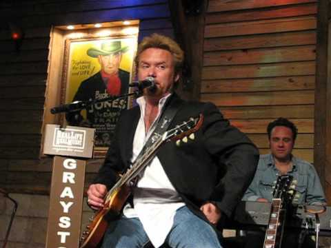 Lee Roy Parnell playing