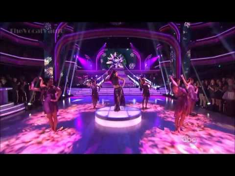 "Selena Gomez performing ""Come & Get It"" Live on Dancing With The Stars"