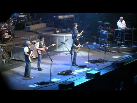"The Doobie Brothers- ""Long Train Runnin"" (HD) Live in Verona, NY on July 2, 2010"